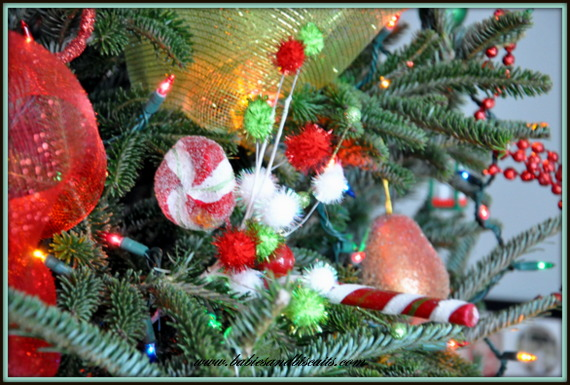Love ornaments but picks are what give my tree the look i wanted i